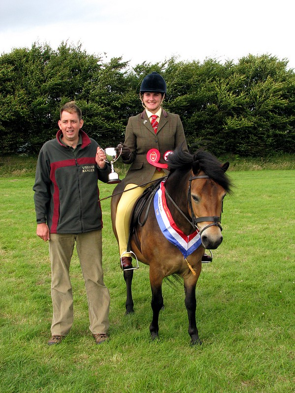 Coedywern Juniper wins the 2011 Warren Trophy at Exford Show